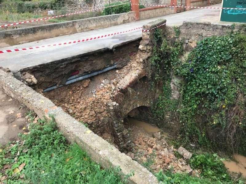 Puente de la Jarea sin el pretil que arrancó el agua