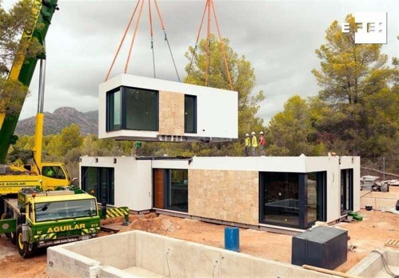 Reinventar el modelo de construcción de una vivienda de manera que se fabrica en 5 meses en una nave y se monta en 15 días sobre el terreno parece una misión imposible. EFE/Inhau