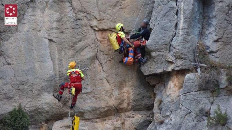 Descenso en vertical con el herido