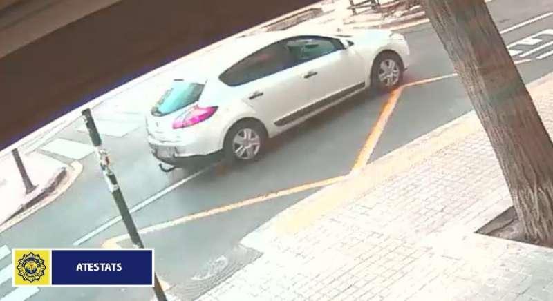 Imagen del coche que se dio a la fuga. Fuente: Policía Local de Valencia.