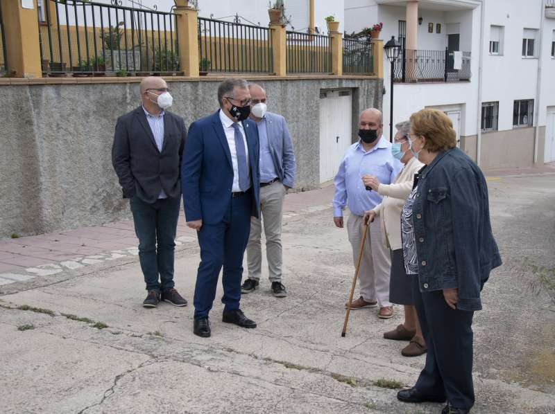Martí con el alcalde de Ayódar, Joaquín Ventura
