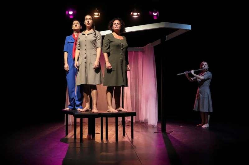En escena la obra de la compañía SaludArte que busca recuperar la memoria de las mujeres reclusas en el franquismo. EFE/Ana Escobar