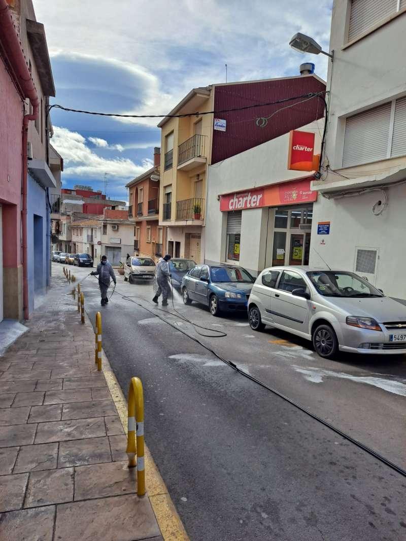 Desinfección de las calles de Almenara / EPDA