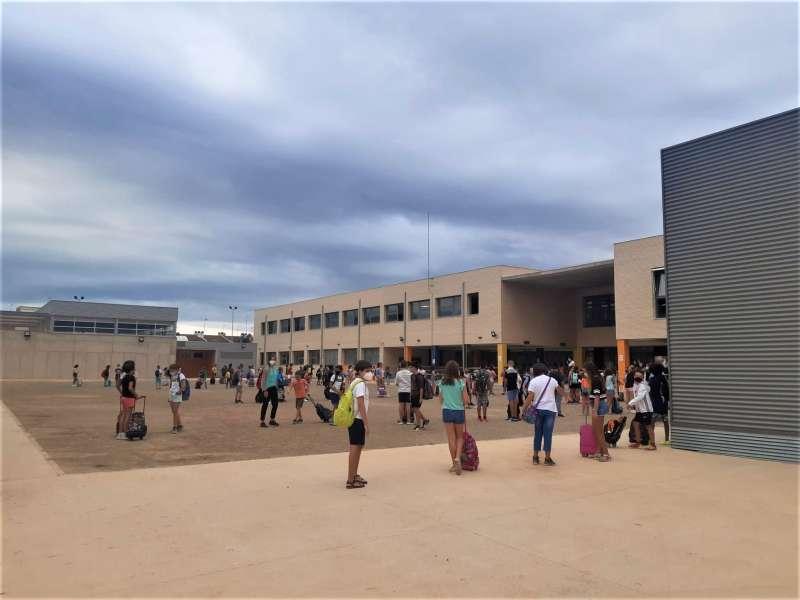 Entrada a un centro escolar de Rafelbunyol. EPDA