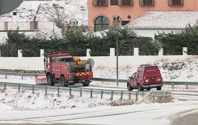 Imagen de archivo de un temporal de nieve en la Comunitat Valenciana. EFE