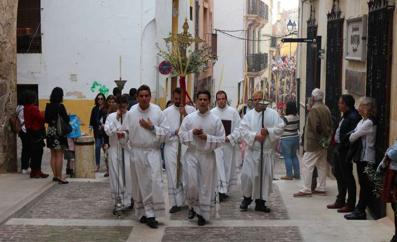 La procesión de Ramos por la calle Santa María