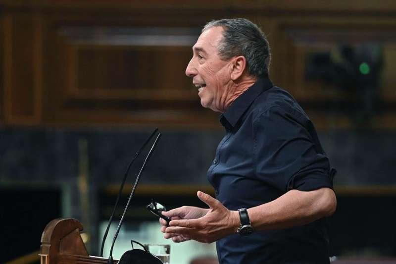 Joan Baldoví interviene en el debate plenario celebrado este martes en el Congreso de los Diputados