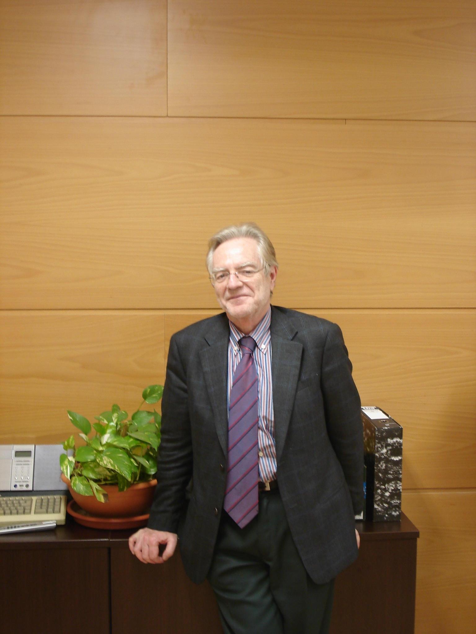Javier Paniagua, director del centro Ferancisco Tomás y Valiente de la UNED Alzira-Valencia