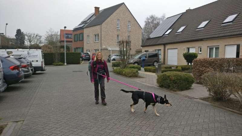 Annie Timmermans con su amiga Dax.
