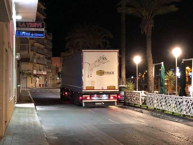 Camión pasando por Benicarló