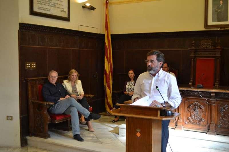 Alfredo Castelló el día de su renuncia como alcalde de Sagunt. EPDA