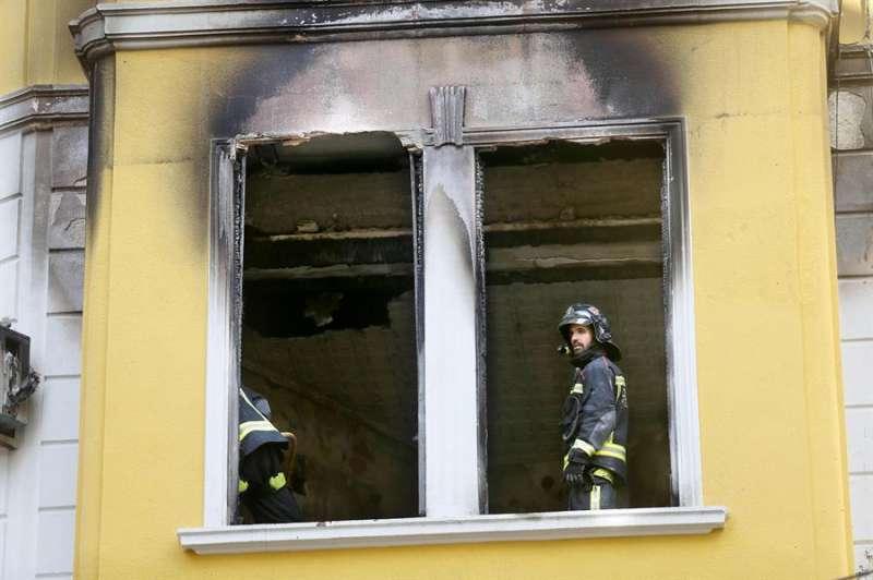Imagen de archivo de los bomberos. EFE/ Manuel Lorenzo