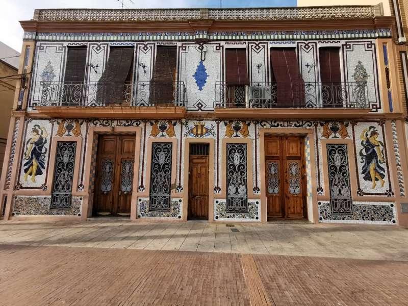 La Casa Llopis. B. BUENO