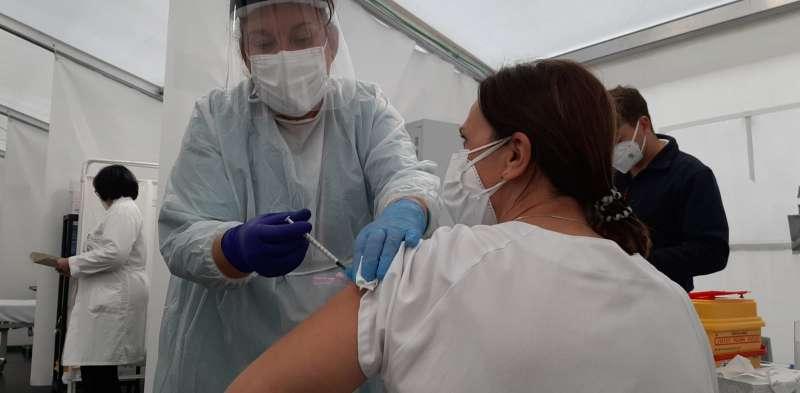 Vacunación para el colectivo médico