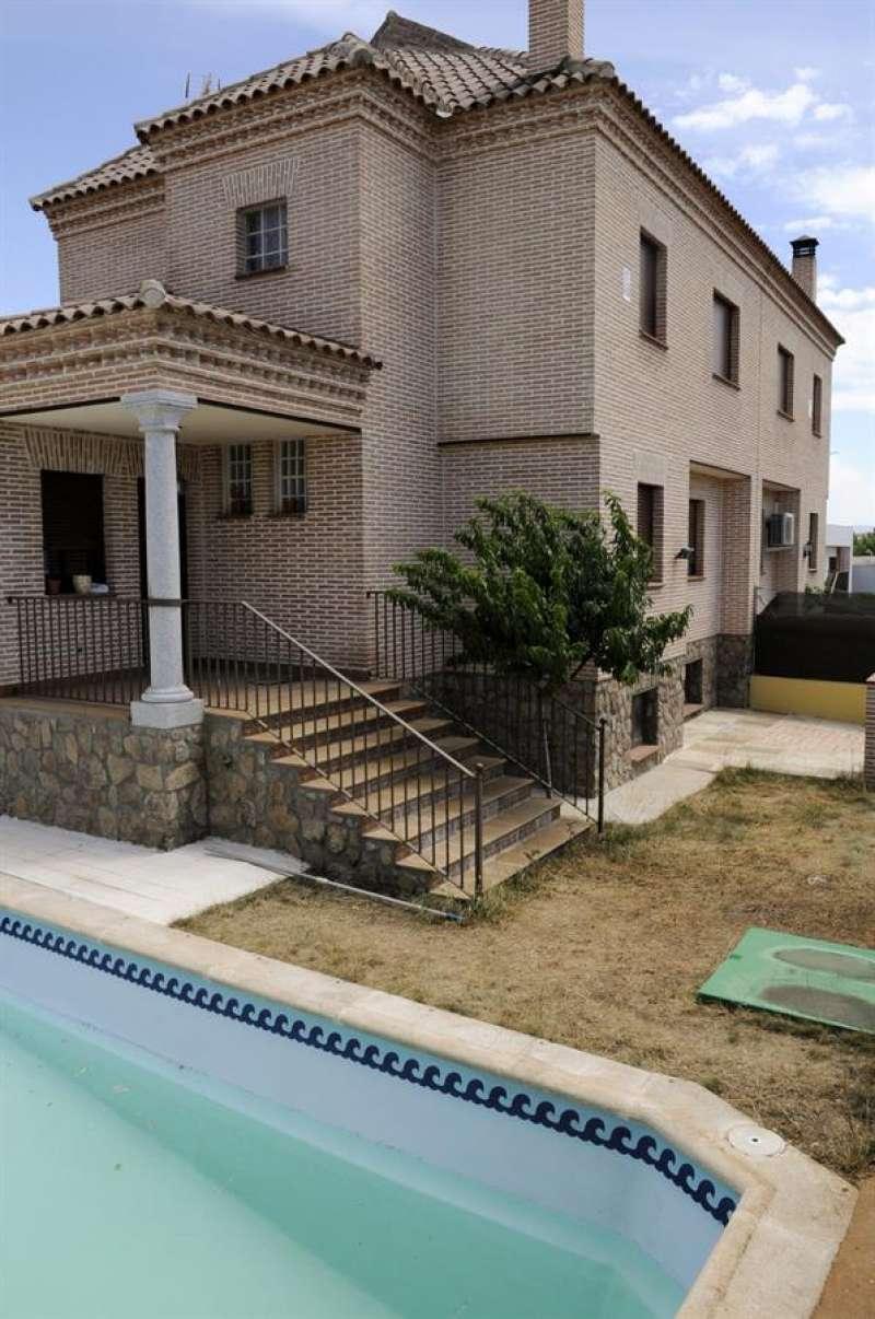 Imagen de una vivienda con piscina individual. EFE/Archivo