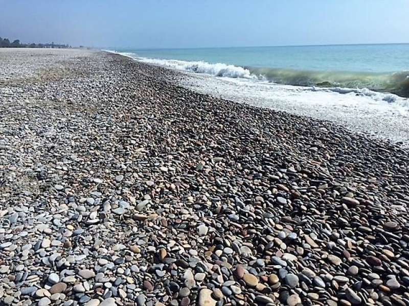 Las playas del norte de Sagunt y Canet se han llenado de piedras en los últimos años / EPDA