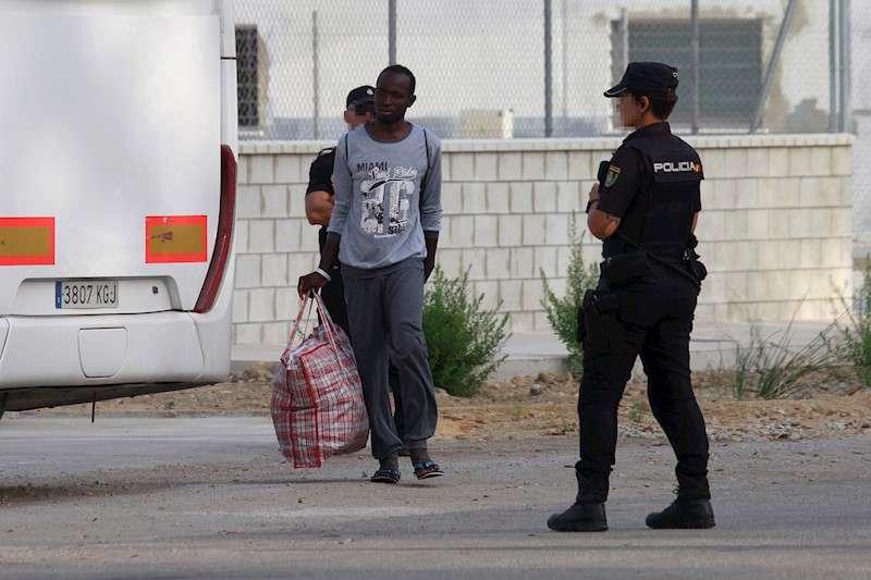 Los migrantes rescatados en el mar por el Open Arms. EFE/Archivo
