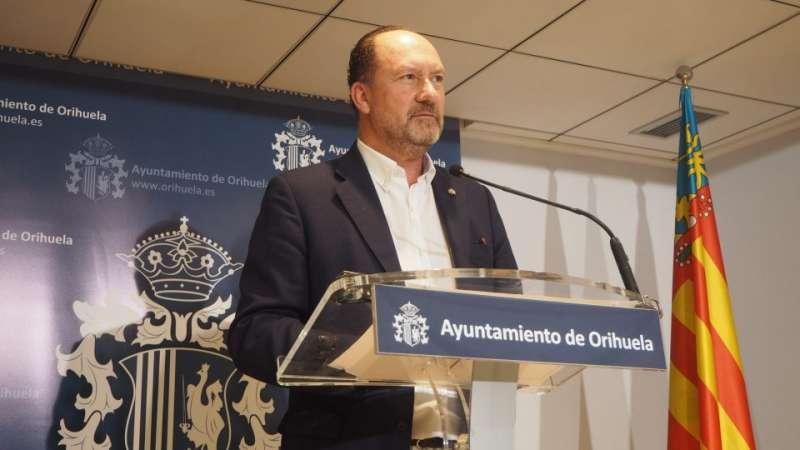 Emilio Bascuñana, alcalde de Orihuela