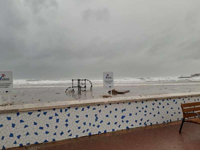 Oleaje en la playa de La Pobla. EPDA