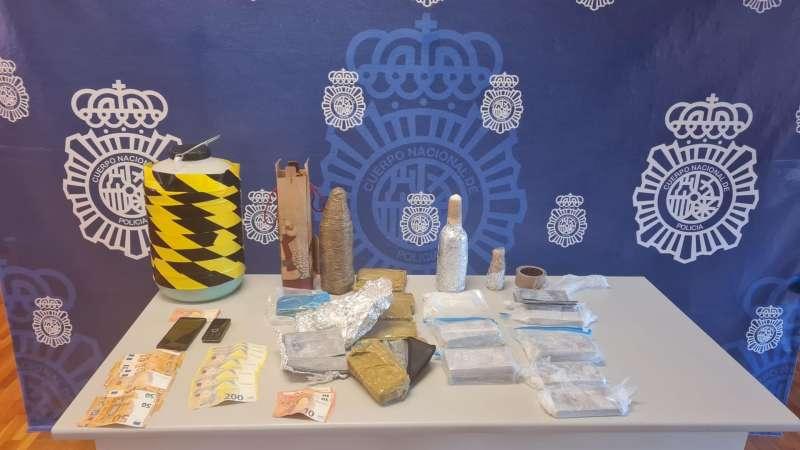 Imagen del material utilizado para realizar el timo, facilitada por la Policía.