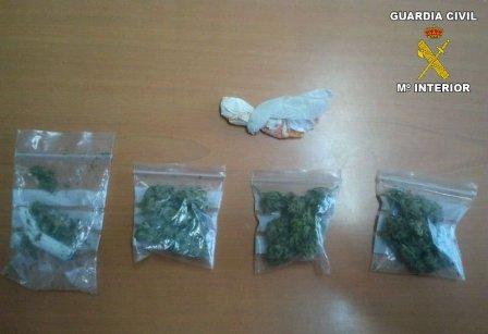 Marihuana intervenida por los agentes. FOTO: EPDA