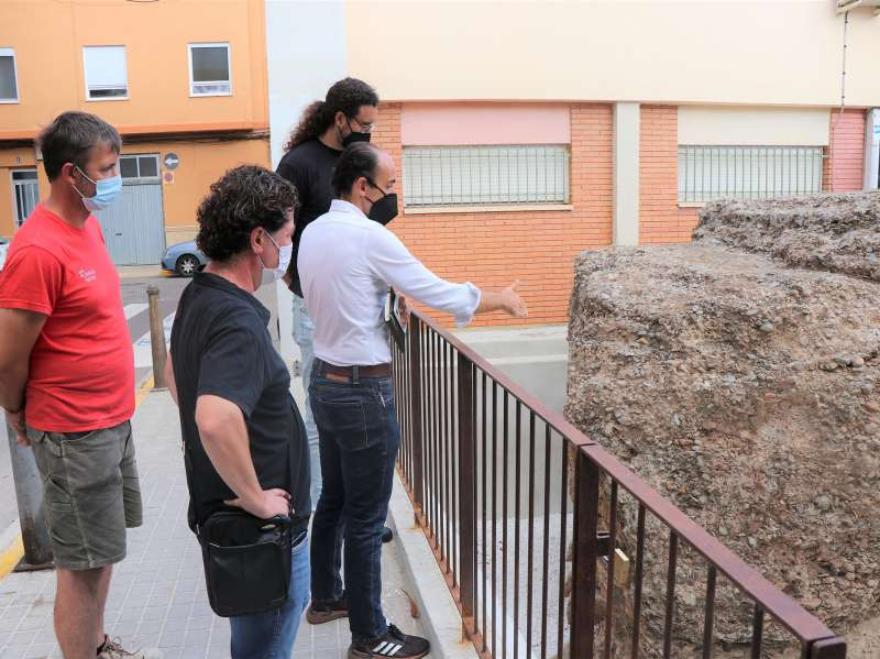 Monumento funerario romano ubicado en el CEIP José Romeu. / EPDA