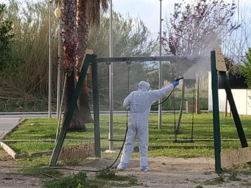Desinfección de lugares públicos de Daimús.