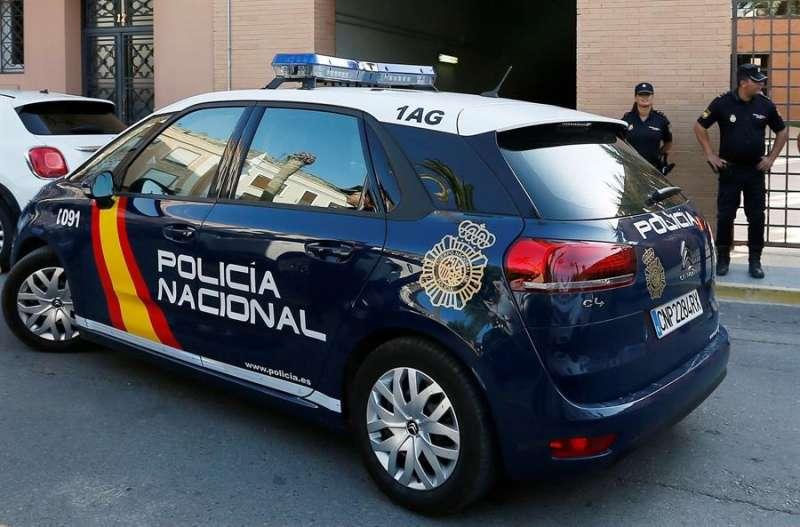 Vehículo de la Policía Nacional. EFE/ Manuel Lorenzo/Archivo