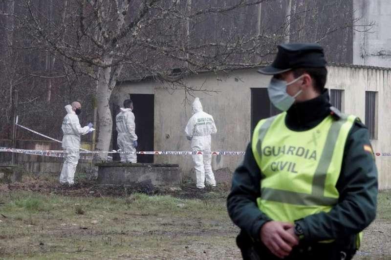 Imagen de archivo de una investigación realizada por la Guardia Civil. EFE