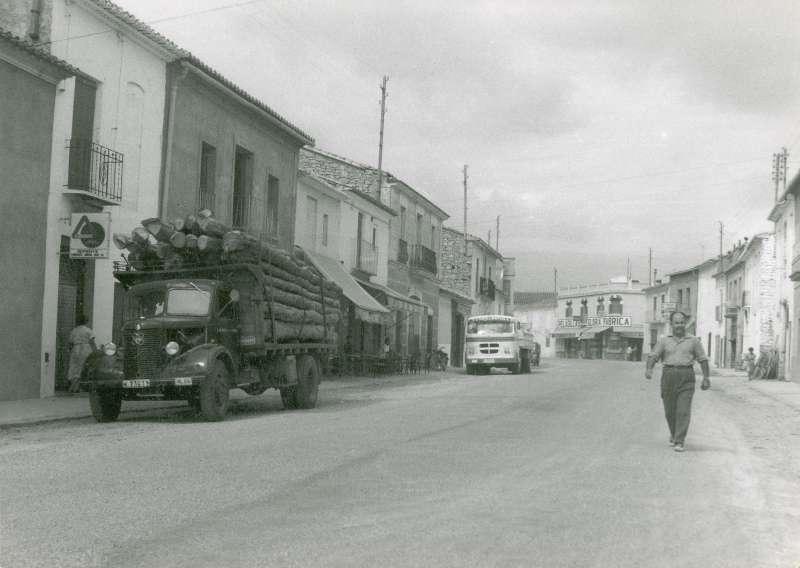 La desparecida carretera comarcal 234 en el año 1950. / EPDA