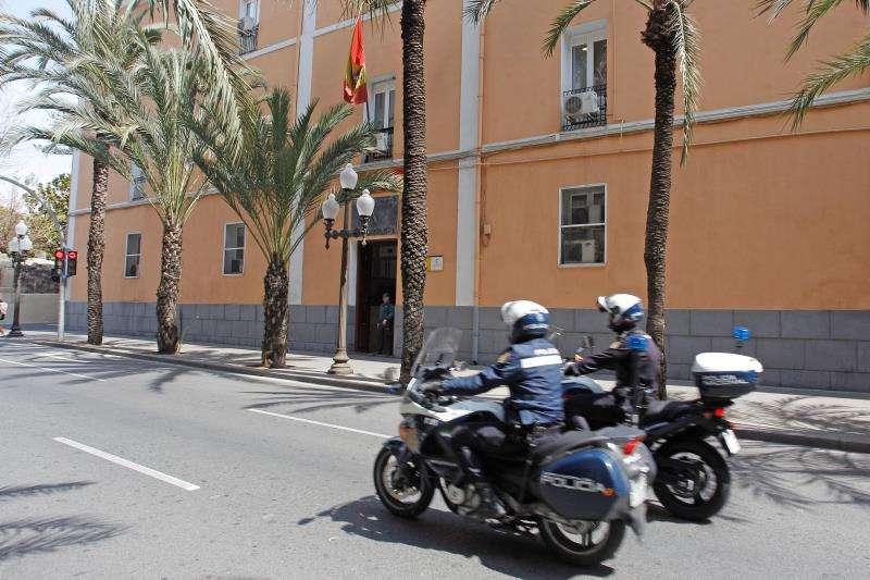 Pareja de policías.FOTO ARCHIVO