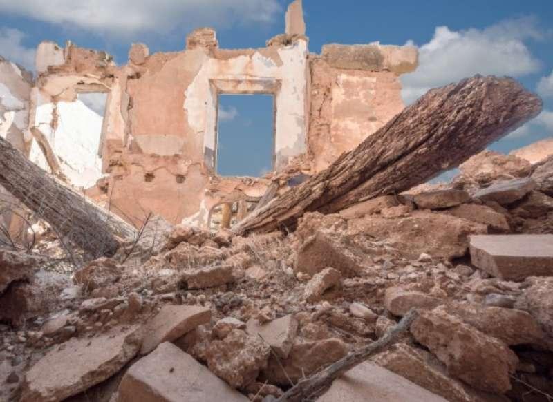 Los métodos automatizados deben detectar la destrucción en un contexto donde la mayoría de imágenes no lo aparenta.