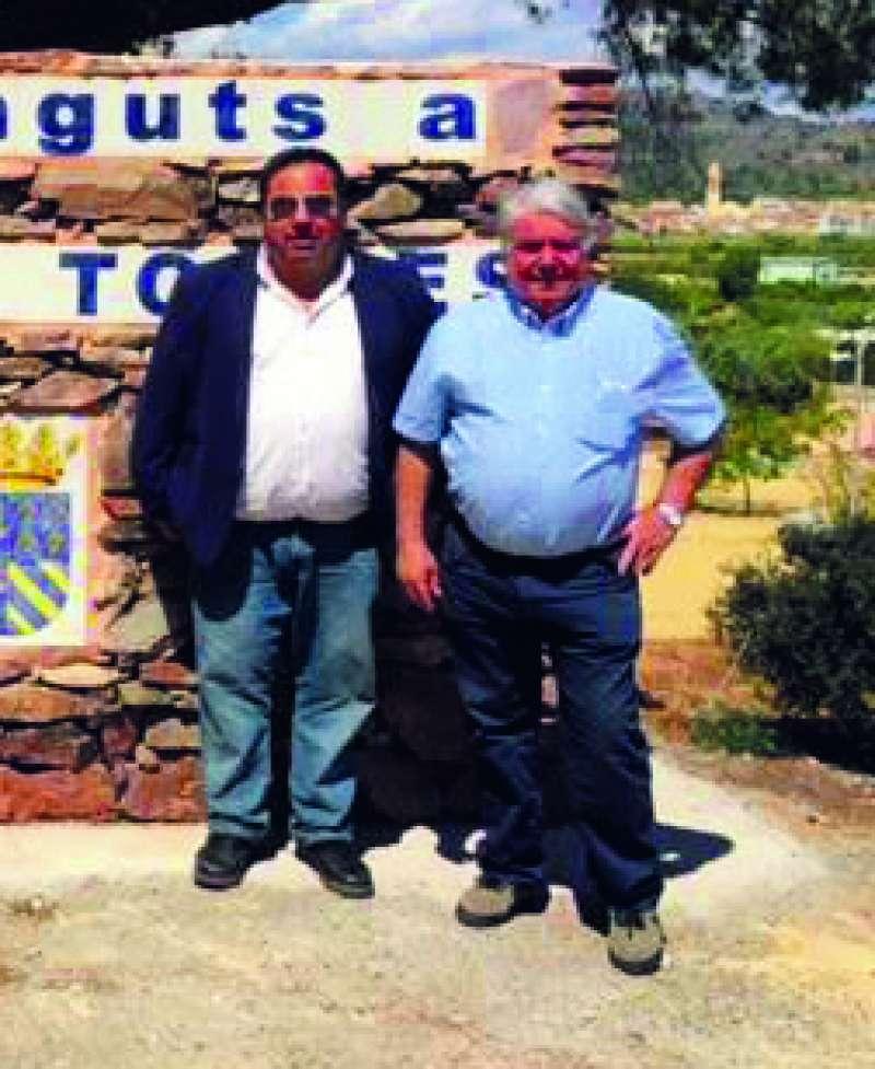 El alcalde de Torres Torres con el concejal Vicente Cabo. EPDA