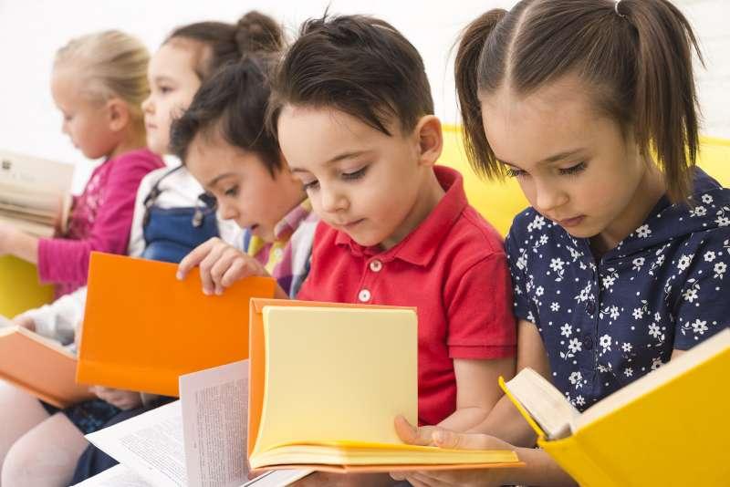 Niños en escuela de verano