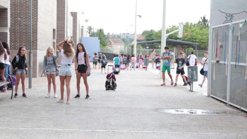 Alumnos de Paterna en la vuelta al cole. EPDA