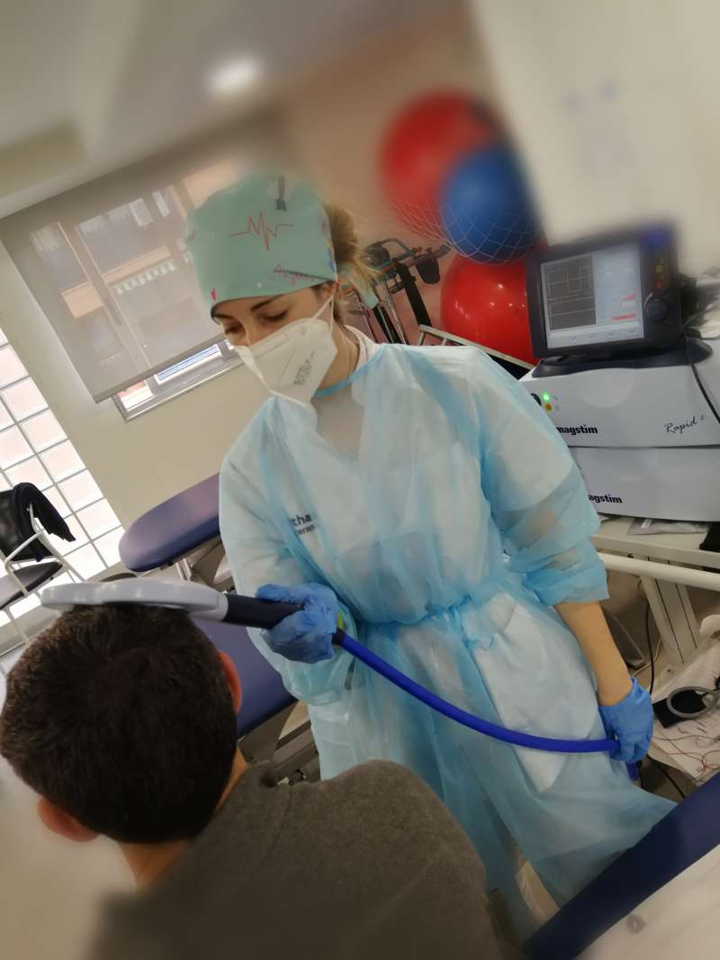 Estimulación magnética transcraneal (TMS)