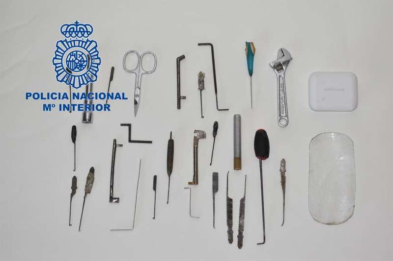 Imagen del material incautado a los detenidos por robo con fuerza en Elche.EFE/Policía Nacional