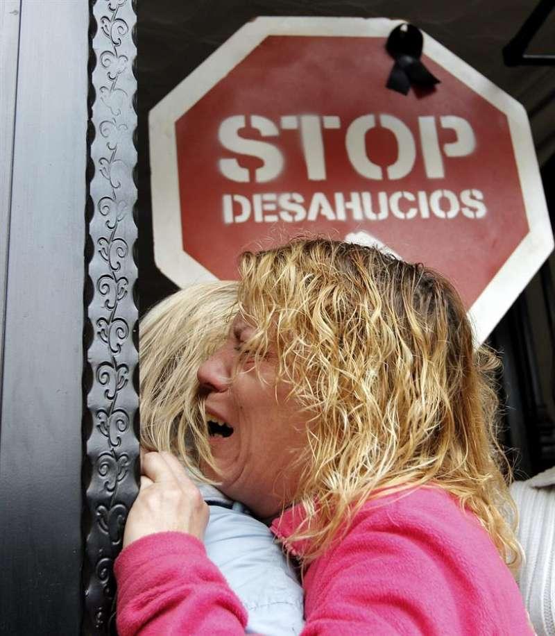 Acción contra un desahucio en València. EFE