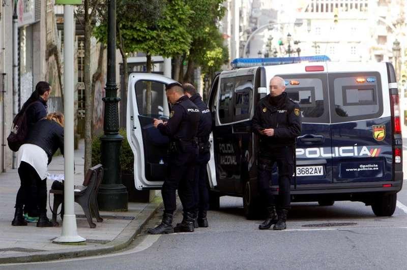 Control de la Policía Nacional durante el estado de alarma por la crisis del coronavirus. EFE