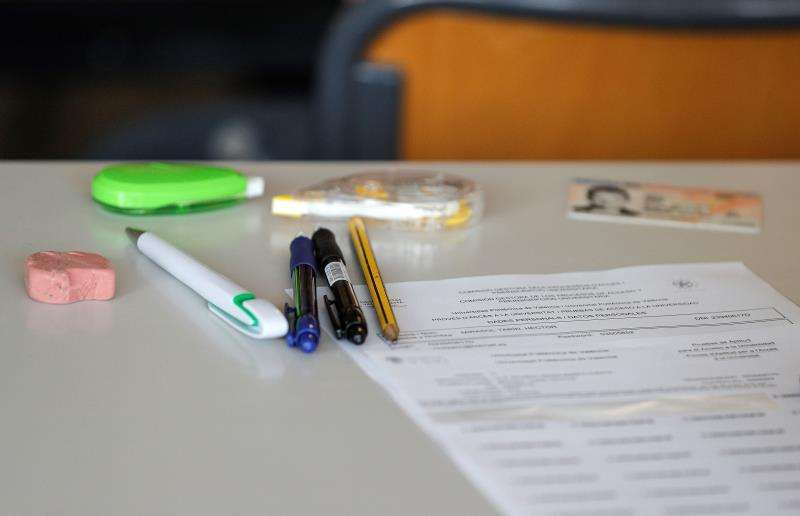 Imagen de uno de los exámenes de las pruebas de acceso a la Universitat. EFE/Archivo