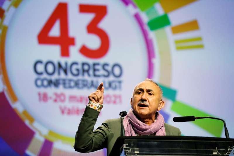 El secretario general de UGT, Pepe Álvarez, durante la jornada de clausura del 43 Congreso Confederal de UGT donde ha sido reelegido para que lidere el sindicato los próximos cuatro años con una holgada mayoría, al lograr el apoyo del 85,83 % de los votos, con una Comisión Ejecutiva más numerosa y algo renovada.