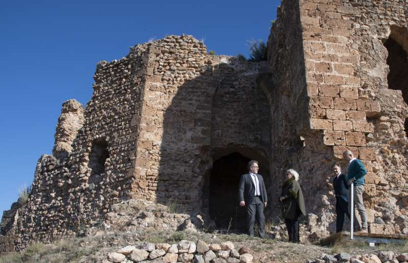 Gil y Martí visitando el castillo