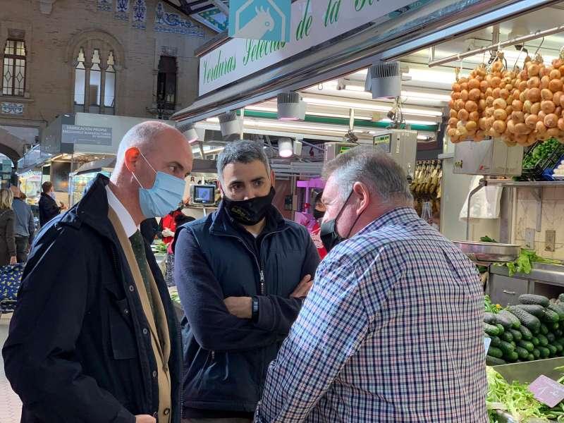 Reunión en el Mercado Central. EPDA