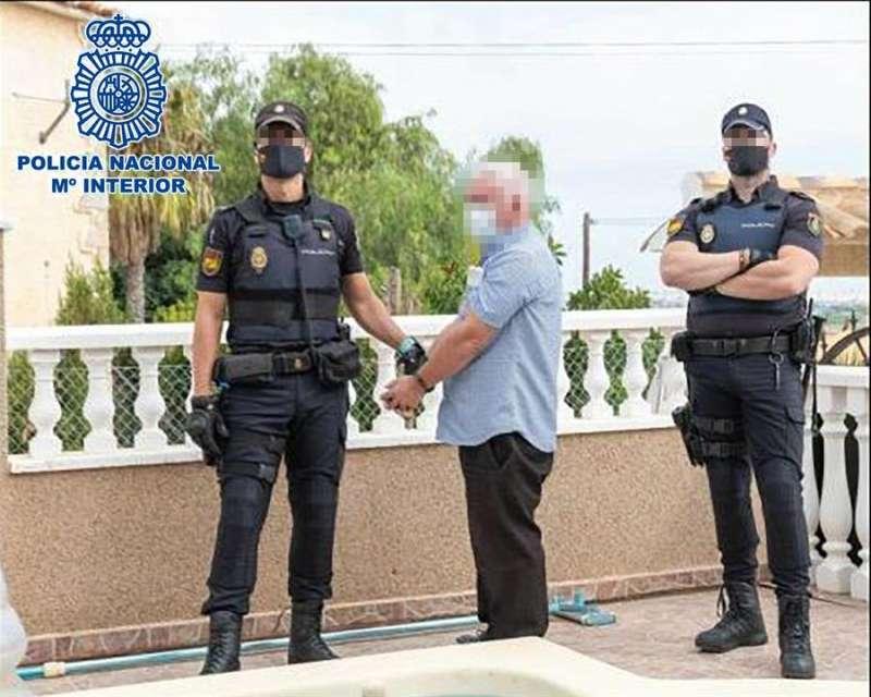 La detención del criminal, en una imagen distribuida por Policía Nacional.