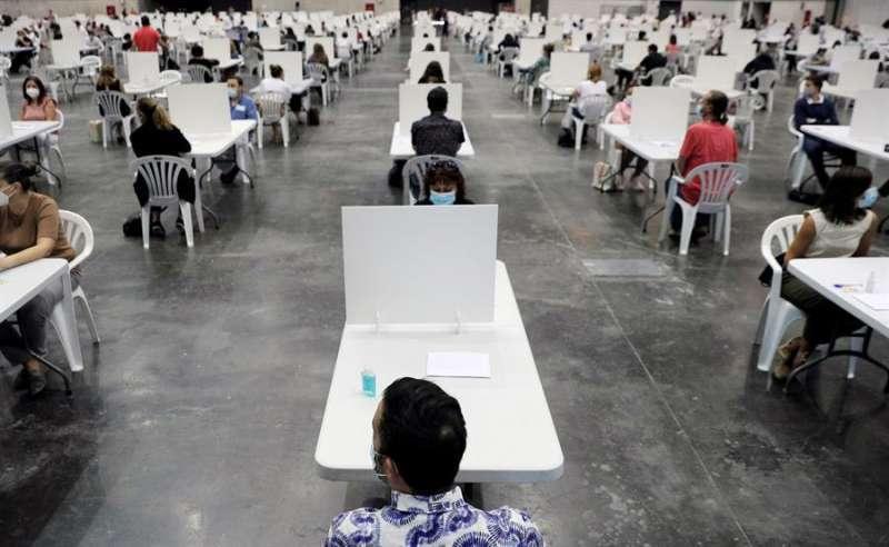 Celebración de un examen para oposiciones en Valencia.