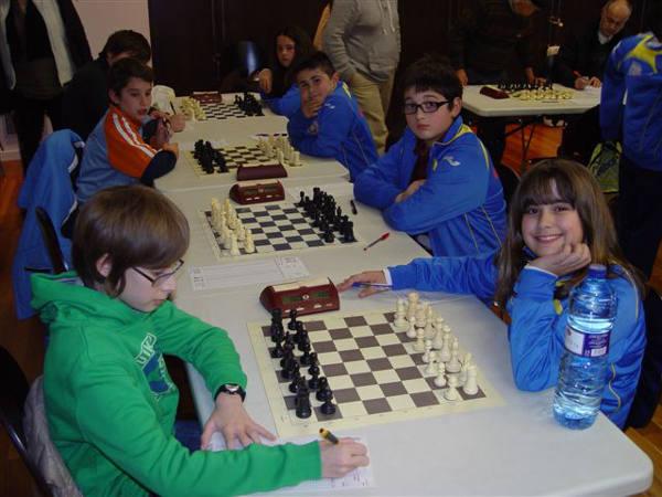 L`equip d`escacs de Silla en acció