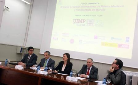 La consellera de Cultura durante el acto de presentación en la UIMP.