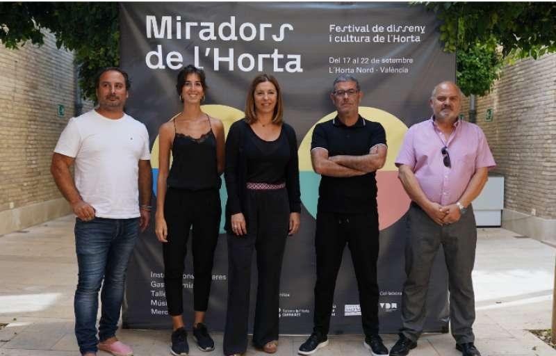Rodado en uno de los múltiples proyectos en favor de la huerta valenciana, a la derecha.