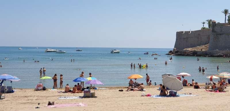 Playa de Peñíscola en una imagen de archivo / EPDA