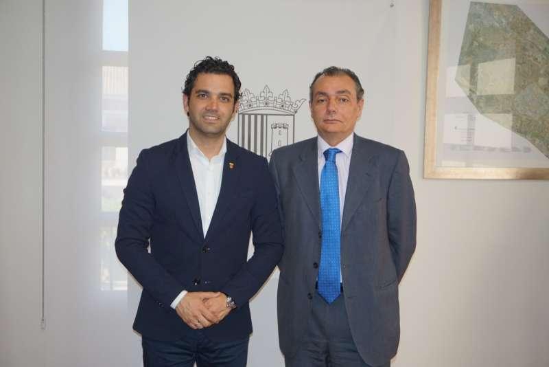 El Alcalde Sagredo junto al Presidente de la CEV, Salvador Navarro.